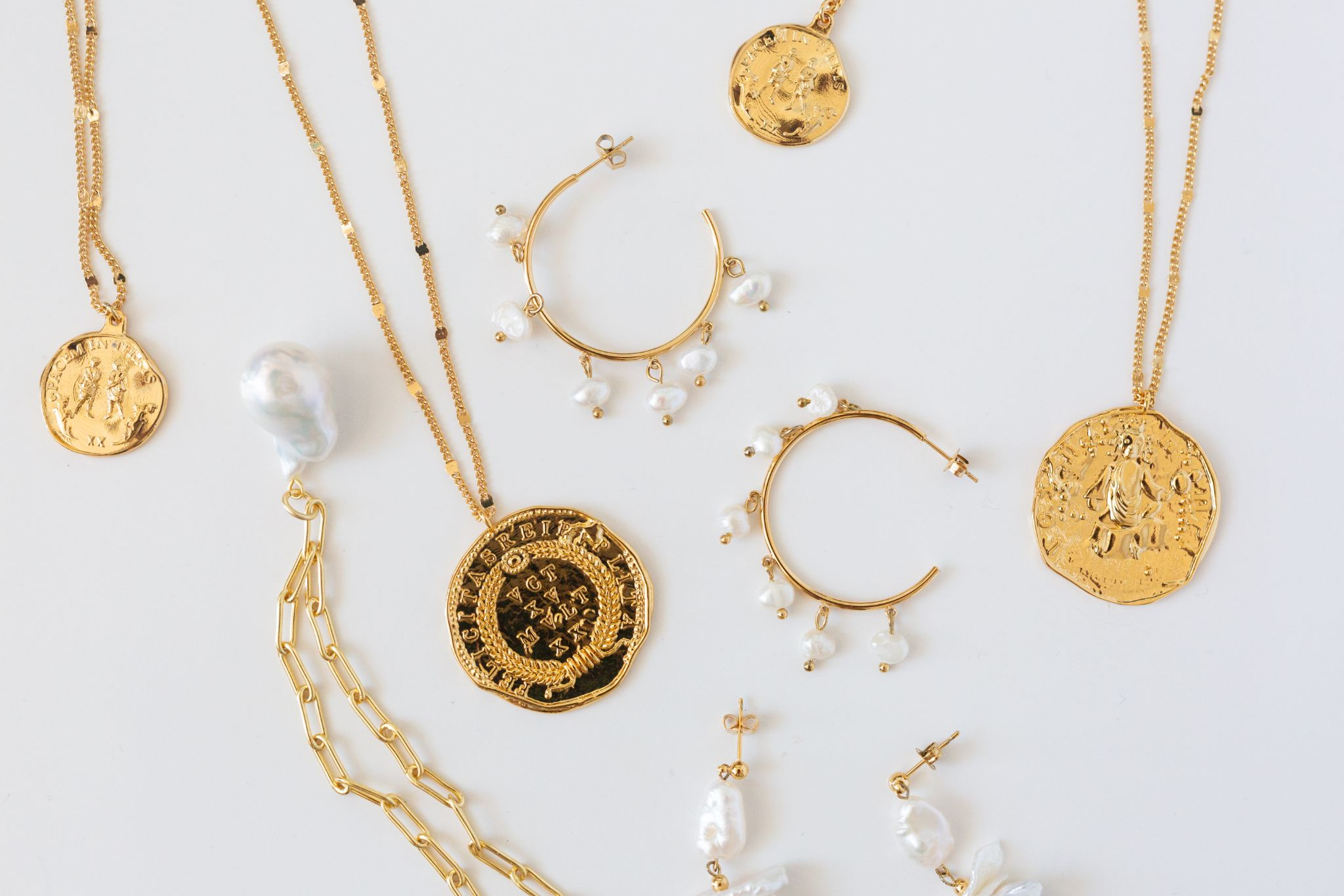A variety of jewelry pieces that you can sell for instant cash at a pawn shop near you such as West Covina Pawn & Loans.